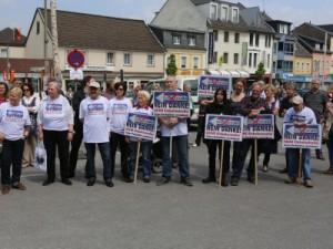 Die vielfältigen Proteste haben einen ersten Erfolg: Teilbaustopp für die Einbahnstraße!