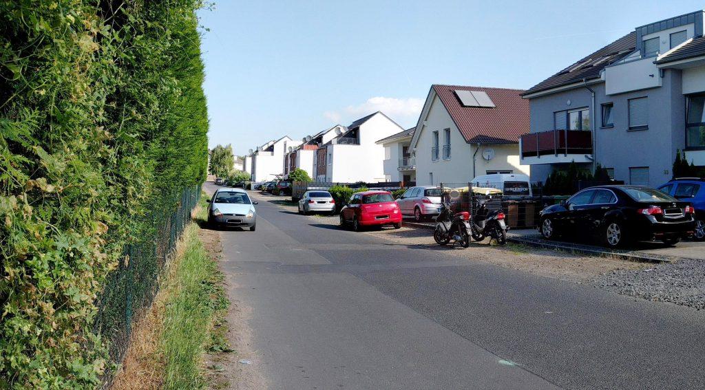 Koblenzer Straße in Roisdorf